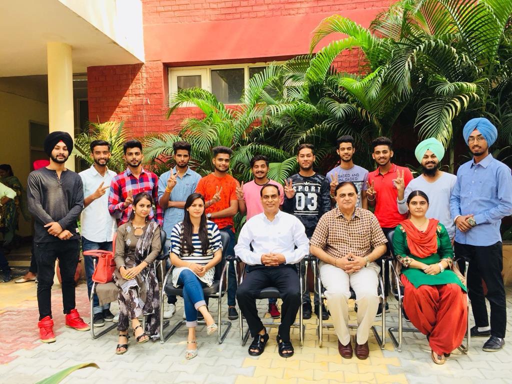 Gndu College Jalndhar Winners of Youth Festival 2017  11