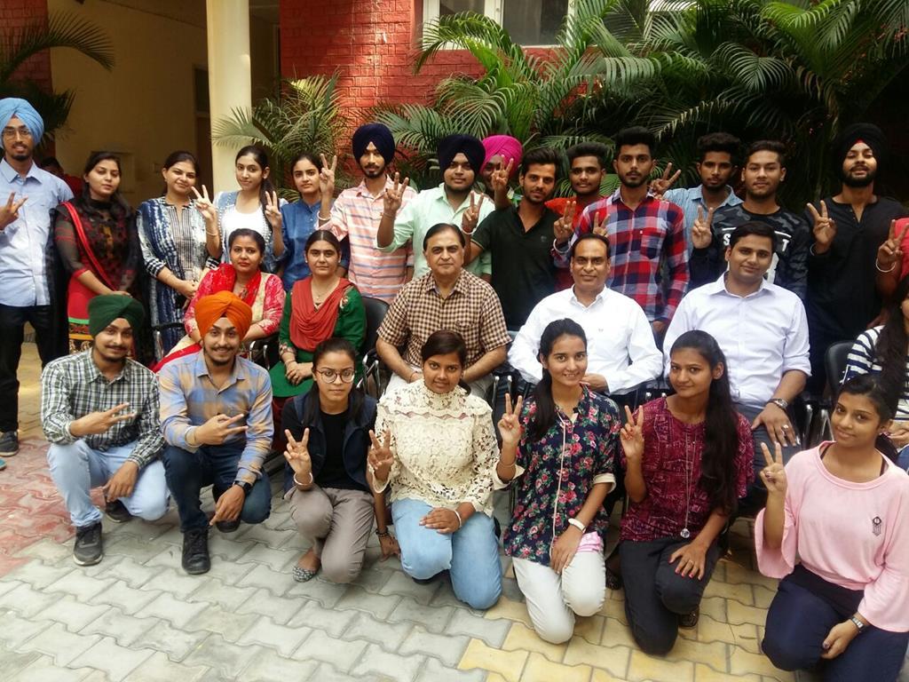 Gndu College Jalndhar Winners of Youth Festival 2017  13