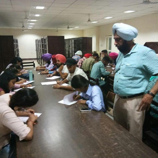 GNDU_COLLEGE_ESSAY WRITING COMPETITION ON THEME OF SWACHH BHARAT 3