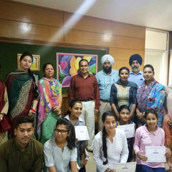 GNDU_COLLEGE_ESSAY WRITING COMPETITION ON THEME OF SWACHH BHARAT 4